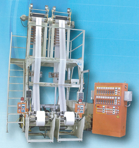 Twin-head HDPE/LDPE/LLDPE plastic inflation machine from Kang Chyau.