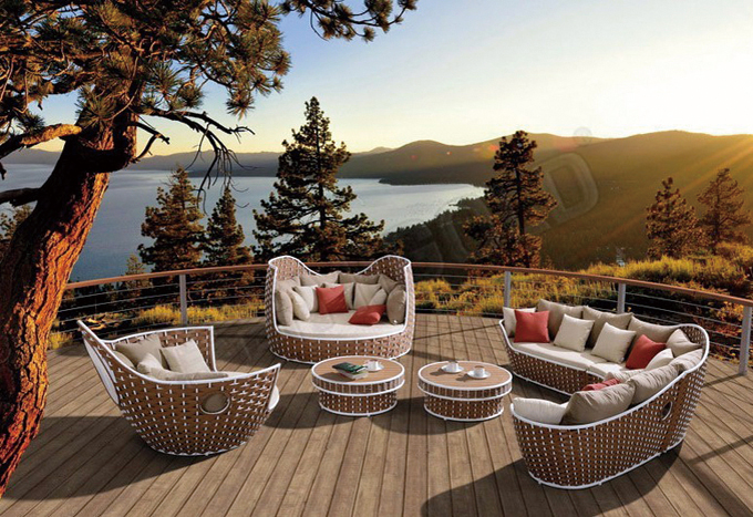 Higold is highly promoting its uniquely-designed Shenzhou X outdoor furniture series.
