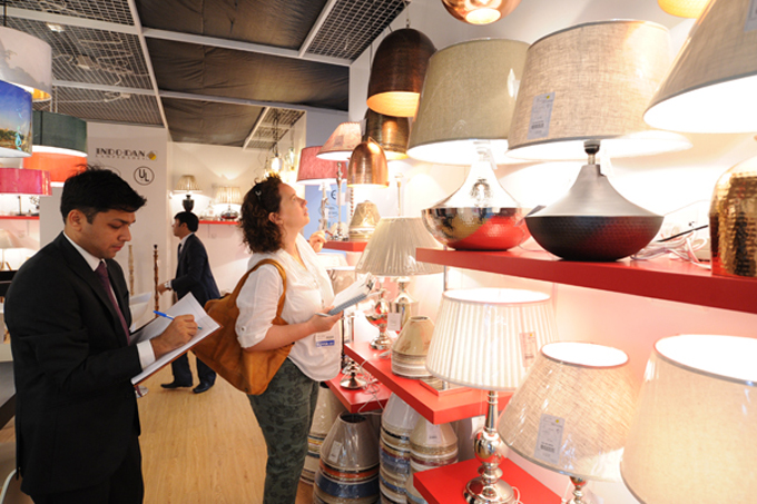 The 15th HKTDC Hong Kong International Lighting Fair (Autumn Edition) drew a record 2,360 exhibitors.