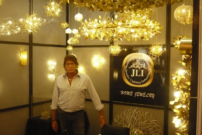 Jewelry Lighting Industries Co., Ltd. sales rep. Giora Rothman.