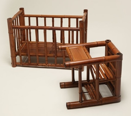 This bamboo chairs plus baby crib reflects the lifestyle of wealthy Taiwanese people in earlier days.