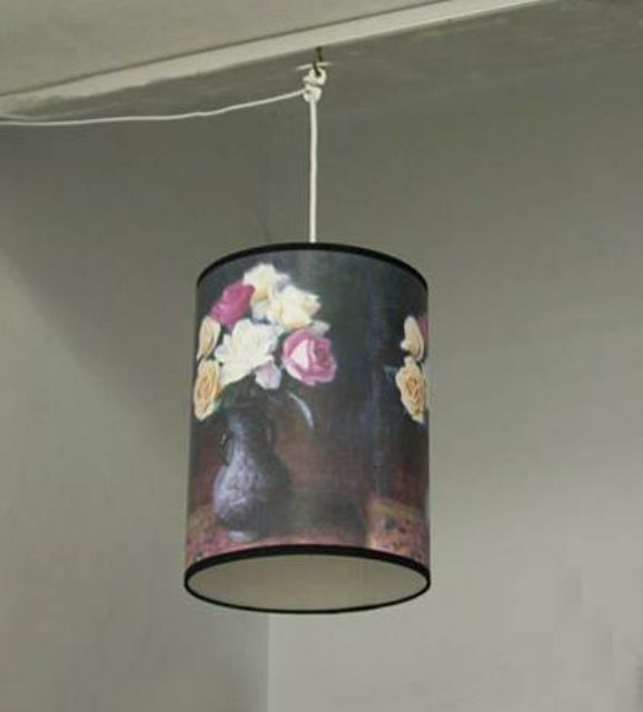 Customized products displayed by Yi Feng combined lighting and painting