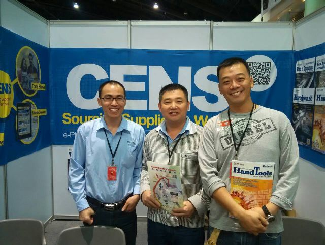 Buyers visit CENS booth at Architect.