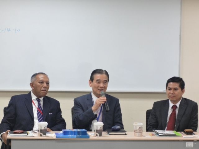 At the Taiwan-Indonesia exchange meeting: (from left) Didie Soewondho, vice chairman of IT, Telecommunication and Broadcasting, KADIN Indonesia; Paul Chou, secretary general of TTIA; and Mohamad Faizal, Director of the Industry Department, IETO.
