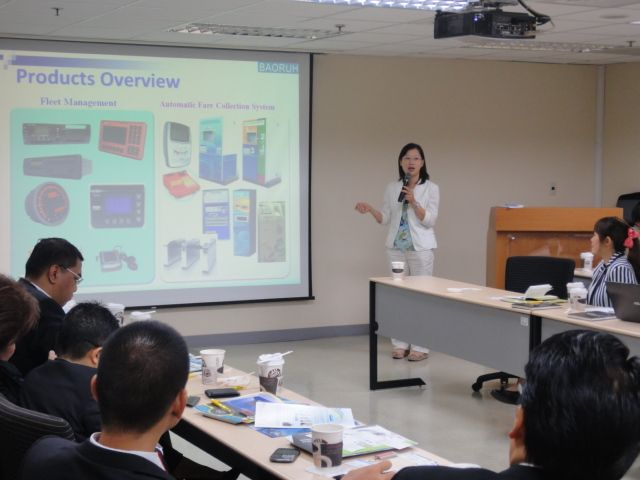 A representative of a TTIA member company introduces her firm's e-Ticketing system, which has been adopted by the Smart Bus System in Taiwan.