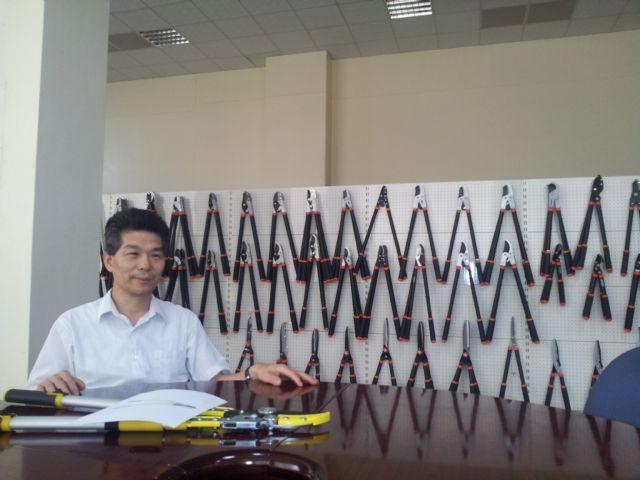 Wise Center's chairman, Thomas Lin