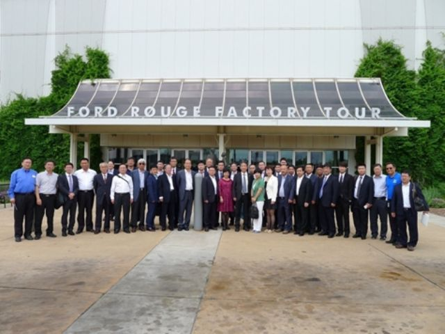 The CAAM delegation visited Ford's green factory, the Ford Museum, and the assembly line for Ford F-type pickup trucks.