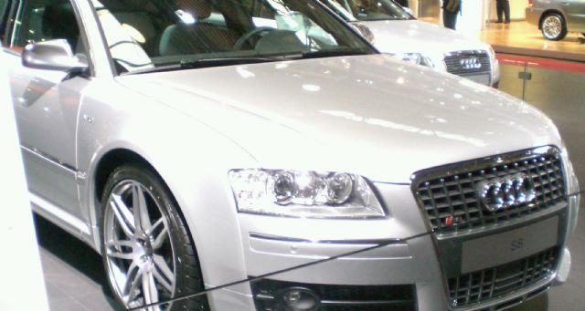 Audi has announced price cuts on spare parts in response to China's investigation.