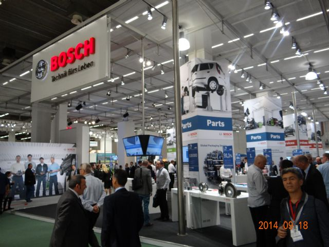 Bosch occupies nearly half of Hall 9.0 to present thorough solutions for car repairs and services.