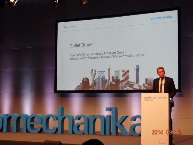 Detlef Braun, member of the Executive Board of Messe Frankfurt GmbH, speaks at the opening ceremony.