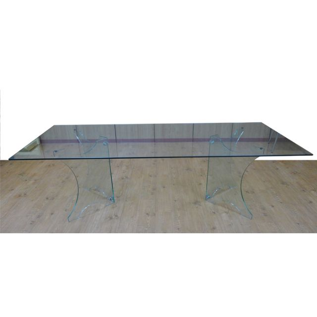 Qi Ling supplies glass up to 3,500 X2,500mm in size and 19mm in thickness.