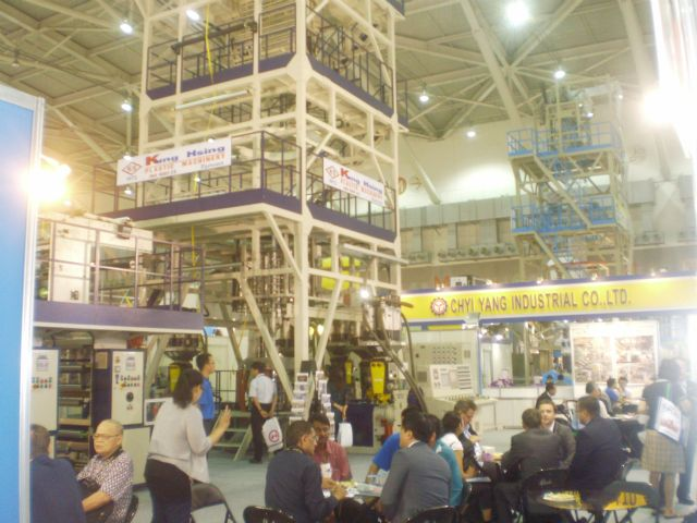 Kung Hsing receives ample inquiries for its multi-layer co-extrusion high speed blown film line.
