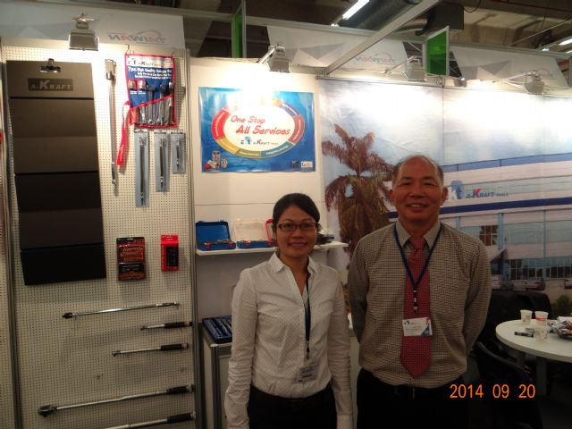 A-Kraft's president Louis Chen (right) promotes the company's all-in-one service, enabled by the firm's excellent e-management system.