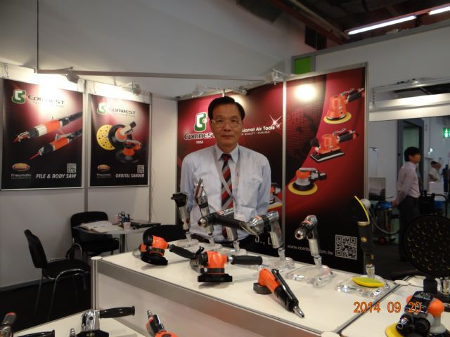 Kymyo general manager Stanley Lu says that the Diamond series sanders attracted intense buyer interest at the show.