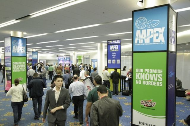 Global buyers crowd 2013 AAPEX. (photo courtesy AAPEX)