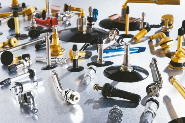 Luhai supplies all types of quality tire valves for customers worldwide. (Photo from UDN)