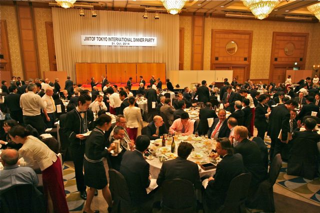 The International Dinner Party enhanced exchanges among industry professionals from all over the world.