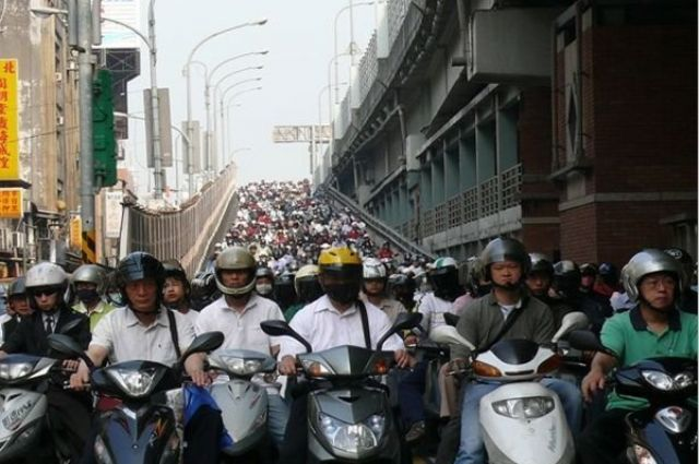 Motorbike gridlock at rush hour in Taiwan, a mature PTW market with annual sales volume between 600,000 to 700,000 units.