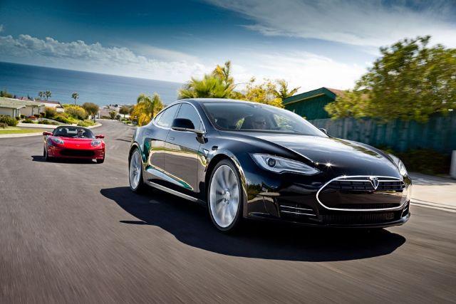 Tesla Model S, the highly popular premium EV. (photo from Tesla)