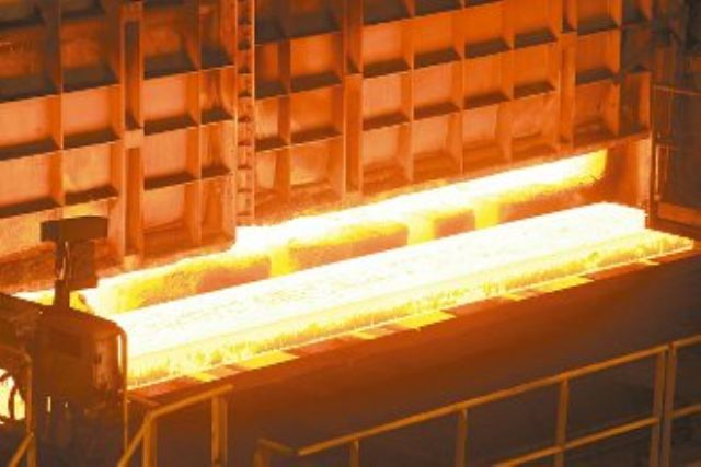 CSC will reportedly cut prices on its steels for June, with production of CSC's steel coils shown. (photo courtesy of Money.udn.com)