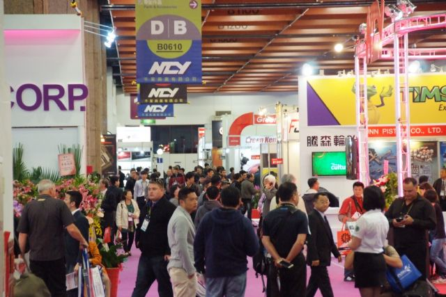 Buyers flock to the 2015 Taipei AMPA 5-in-1 mega show. (Photo from TAITRA)