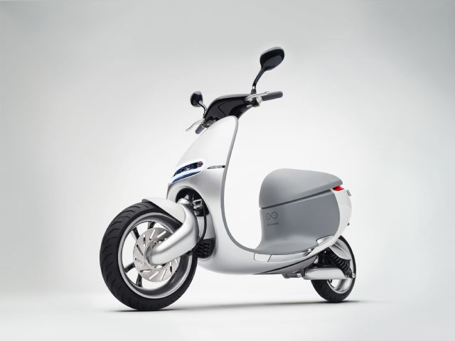 The Smartscooter is an attractive, zero-emission e-scooter. (Source: Gogoro)