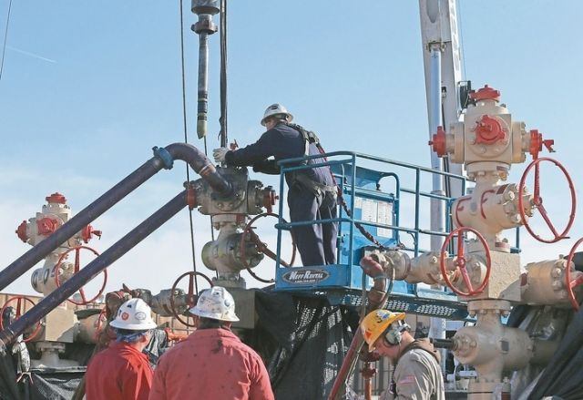 Layoffs and cutbacks in new projects by shale gas explorers in the U.S. are regarded responsible for the currently souring global steel market. (photo courtesy of UDN.com)