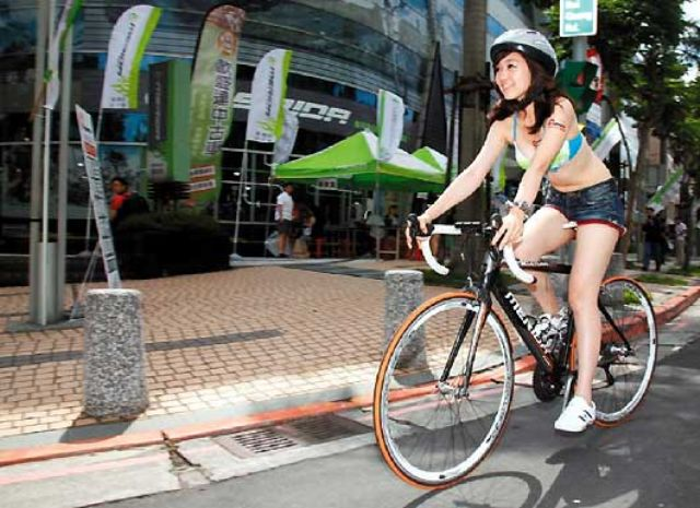 Taiwan's top-2 bicycle makers, Giant and Merida, see revenue growths in Q1, 2015 but suffer losses from currency exchanges. (photo from UDN)