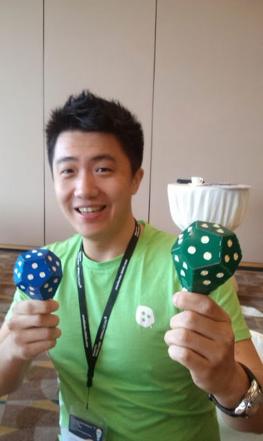Nanoleaf Co-Founder & COO Christian Yan demonstrates bulbs with PCB housing.