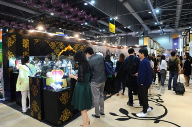 The 10th Hong Kong International Printing and Packaging Fair draw more than 14,000 buyers from 111 countries (photo courtesy of the show organizer).