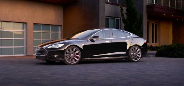 Tesla sells 11,507 Model S premium electric cars  worldwide in the second quarter this year. (photo from Tesla website)