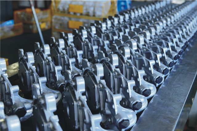 Taizhou Lizhong capably turns out 600,000 units of various automotive oil pumps a year.