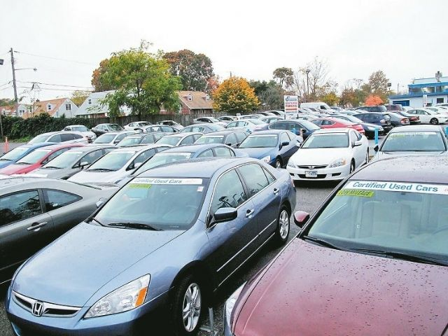 The sizable used-car segment has drawn attention from  local auto vendors. (photo from UDN)