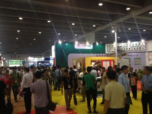 Cens.com Taiwanese Exhibitors Upstage Rivals from Europe with Feature-packed Products at ChinaPlas 2015--4-day event hosts 3,200-plus exhibitors from 39 nations