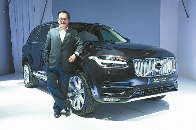 L.J. Chen, president of Volvo Car Taiwan, introduces the new Volvo XC90 LSUV in Taiwan as he announces Volvo's US$100 million investment project to expand local sales. (photo from UDN)