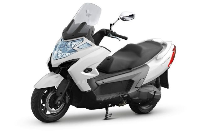 KYMCO Myroad 700i is currently the biggest-displacement scooter by local PTW vendors. (photo from KYMCO)