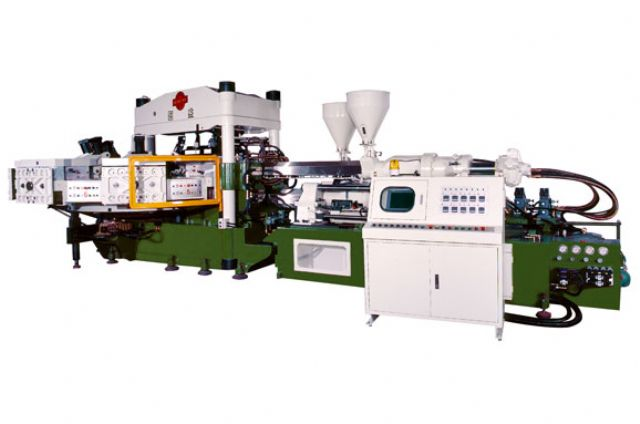 The two-color rotary type rain boots automatic injection molding machine developed by Kou Yi