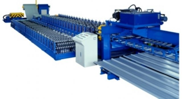 A metal sheet cold roll-forming machine from Fonnai.