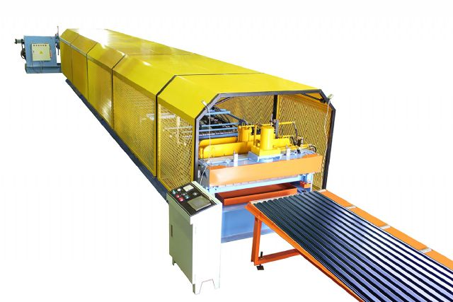 Yunsing's YS-914-R shutter door roll forming machine.