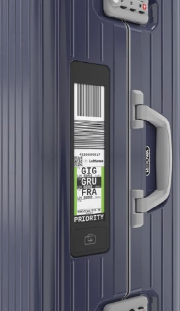 The Rimowa Electronic Tag supplied by the Taiwanese company E Ink. (photo from RIMOWA)