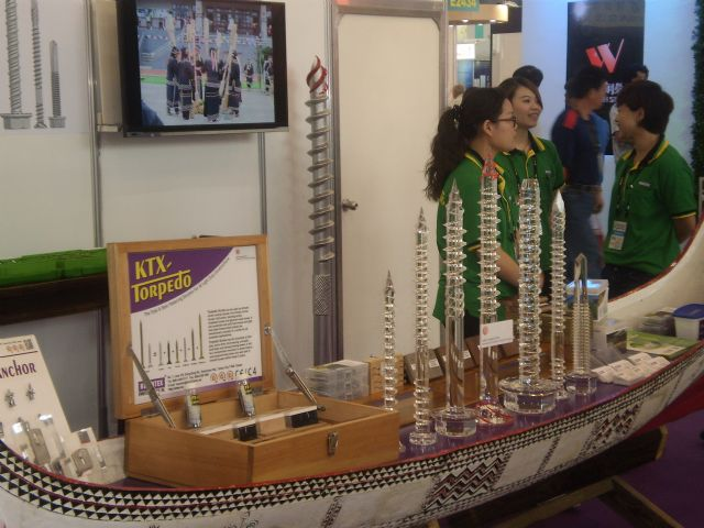 With over 1,000 makers, Taiwan is a world's top-3 fastener supplier by exports.