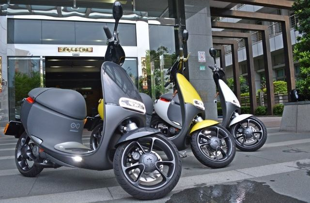 The Gogoro Smartscooter Lite, the entry-level version of the e-scooter, successfully helps Gogoro elevate sales volume and market share in Taiwan. (photo from UDN)