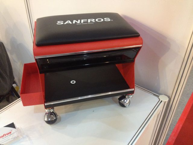 Sanfros's J10 Mobile Work Stool.