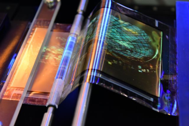 ITRI-developed triple-foldable AMOLED technology. (photo from ITRI)