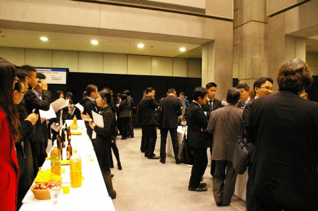 The International Business Networking Party facilitates exchange and business matchmaking among domestic buyers and foreign suppliers (photo courtesy of show organizer).