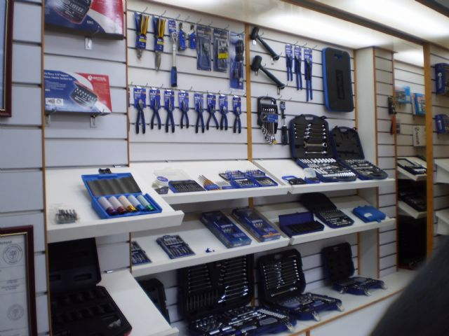 Taiwan-made auto repair tools enjoy high popularity among professionals for competitive price and excellent quality.