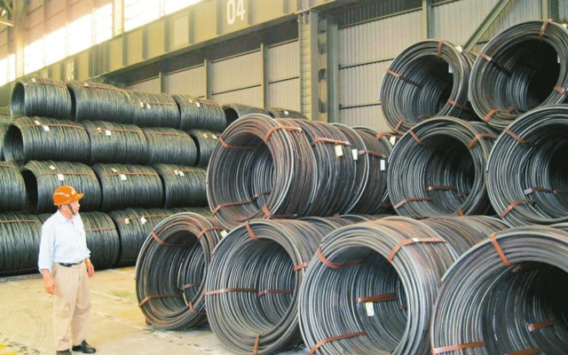 主力上市線材廠官田鋼大步跨入螺絲業,將添購400台以上成形車,螺絲設計年產能4.8萬公噸,平靜多年的國內螺絲產業面臨新結構衝擊。 聯合報系資料庫