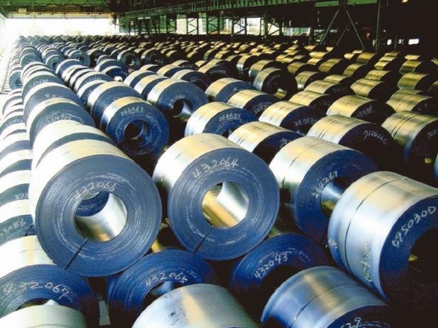 唐榮昨日開出12月不銹鋼盤價,為二年來單月最大漲幅。 圖/聯合報系資料庫