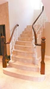 高木祥公司以优质工艺打造兼具设计、情境、人文与艺术气息的木楼梯产品。 高木祥/提供
