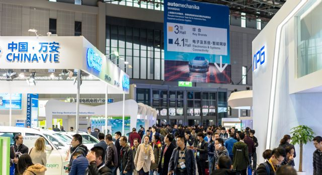 Over 120,000 visitors attended Automechankia Shanghai 2016 (photo courtesy of Messe Frankfurt).